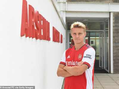 BREAKING: Arsenal signs Odegaard  On a Permanent Deal